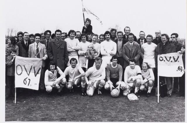 101259 - Sport. Voetbal. OVV'67 Oosteind werd kampioen van de 3e klasse van de afdeling Brabant.