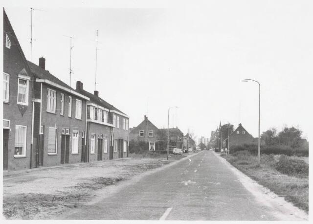 034064 - Panden aan de Jac. van Vollenhovenstraat, voorheen Heikantsebaan