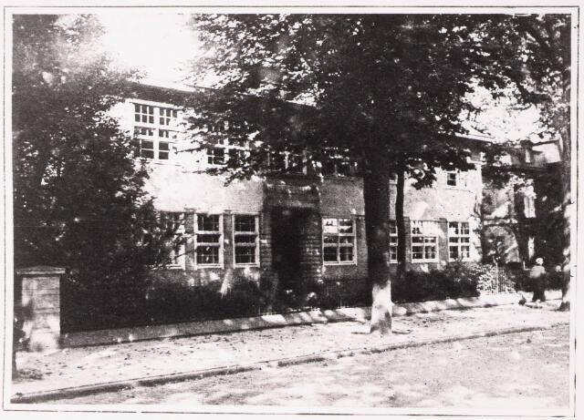 033315 - Hoger onderwijs. Het gebouw van de R.K. Leergangen aan de Bosscheweg 341, later Tivolistraat 3.