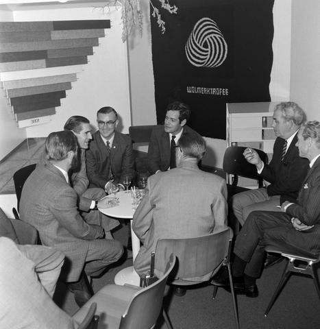 1237_012_993_004 - Viering van een jubileum van textiel firma Van Besouw b.v. in mei 1972.