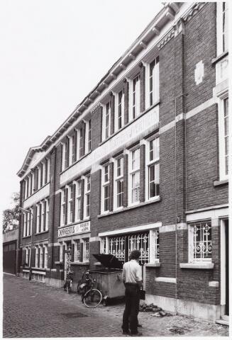 035421 - Textielindustrie. Wollenstoffenfabriek van Piet Smits en Co aan de IJzerstraat 3a-5.