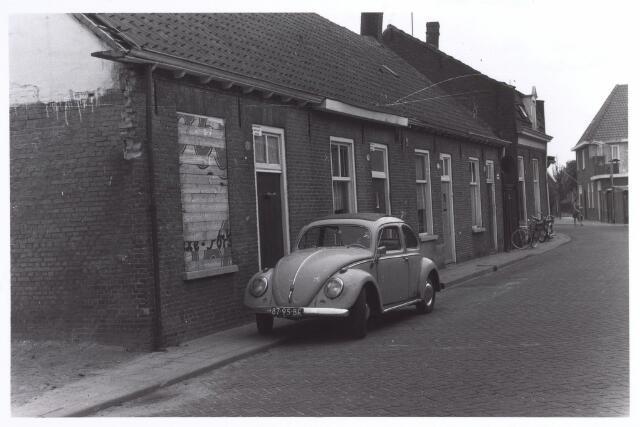016993 - Slooppanden aan de Van Bylandtstraat bezien in de richting van de Kwaadeindstraat