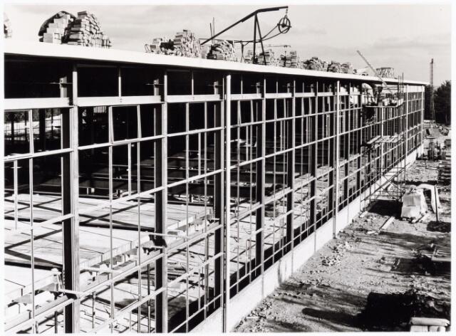 039204 - Volt. Noord. Algemeen, Gebouwen, Nieuwbouw. De zuidzijde van de in aanbouw zijnde hal ND in 1964.