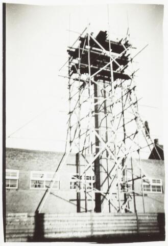 052152 - Onderwijs. Textielschool. Steiger t.b.v. bouw van de midelbare later lagere Textielschool.