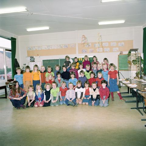 870069 - Klassenfoto. OBS Westerkim, Dongen