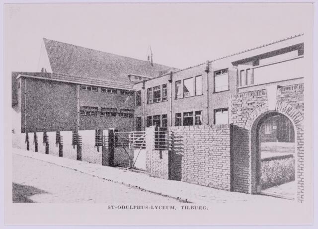 037390 - Odulphus. Voortgezet onderwijs. Het Odulphuslyceum aan de Lange Schijfstraat (nu Noordhoekring) werd ontworpen door architect Jan van der Valk. De aanbesteding vond plaats in juni 1929.