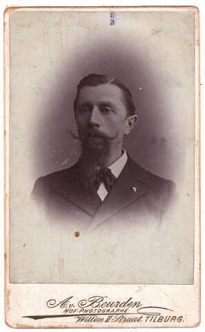 003438 - Antonius Henricus Arnoldus  (Antoine) Arts, geboren te Arnhem 20 april 1845 en overleden te Tilburg 31 maart 1926. Officier Zouaven, lid v.d. Tweede Kamer. Gehuwd met Cornelia Reh