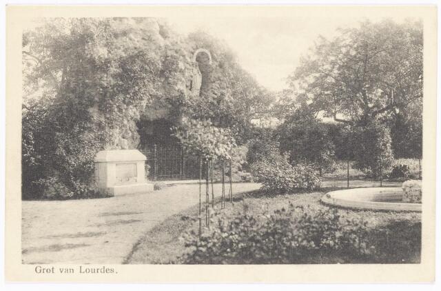 040018 - Lourdesgrot in de tuin van het moederhuis van de zusters van liefde aan de Oude Dijk (zie nr. 1760)