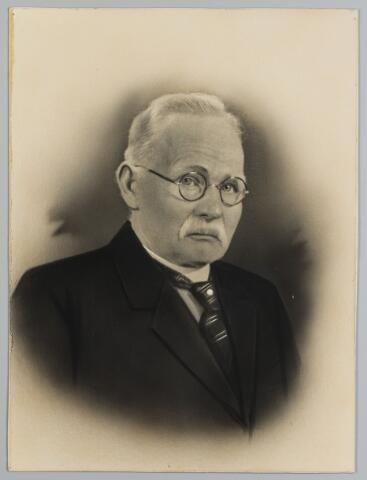 068498 - Wolwever Adrianus de Kok, geboren te Tilburg op 21 augustus 1861 en aldaar overleden op 17 februari 1941. Hij trouwde te Tilburg op 11 mei 1892 met Catharina van de Wouw