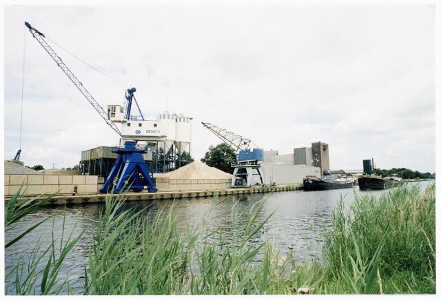 039886 - Wilhelminakanaal. haven Noord bij de dr. Deelenlaan.