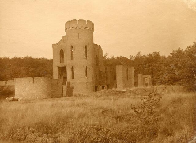 600585 - Ruine bij Kasteel Loon op Zand. Families Verheyen, Kolfschoten en Van Stratum