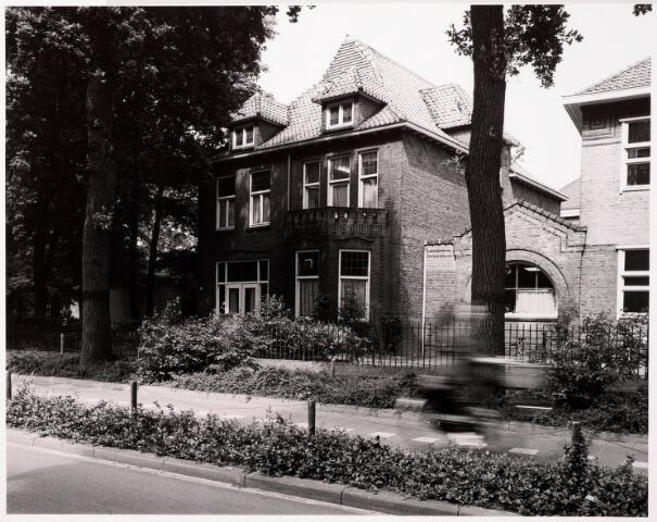 033374 - Het pand Tivolistraat 5, maakte eens deel uit van de R.K. Leergangen.