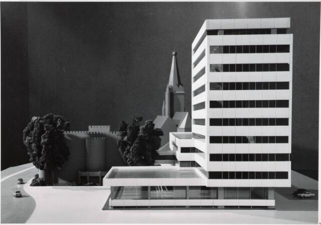 032548 - Maquettes van het administratiegebouw van de gemeente secretarie aan het Stadhuisplein
