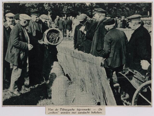 040731 - Bijenmarkt op het Gem. Sportpark te Tilburg (30-9-1932)