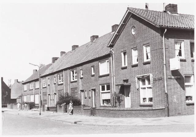 029871 - Ringbaan-Noord (voorheen Past. Schutjesstraat) hoek Prof. Kernkampstraat.