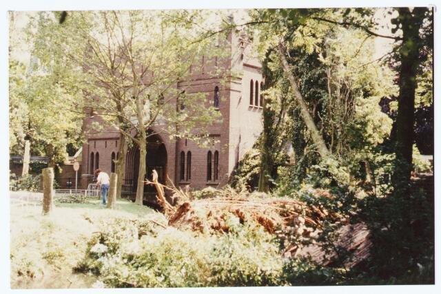 063573 - Bomen sneuvelden door de storm van 12 juli 1984 bij het Trappistenklooster aan de Eindhovenseweg 3