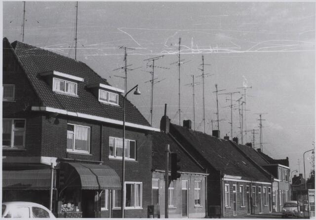 023419 - Oostzijde van het Julianapark in 1969