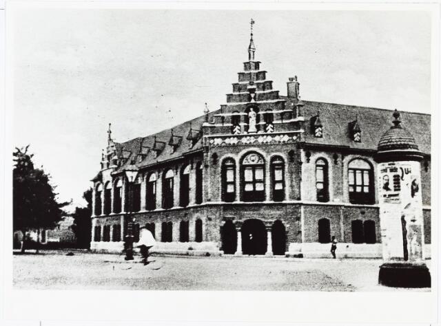 007202 - Het gebouw van de arrondissementsrechtbank te Breda, foto omstreeks 1900.