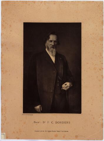 006854 - Professor dr. Franciscus Cornelis Donders geboren te Tilburg 1818 overleden te Utrecht 1889. In 1858 oprichter van het eerste Nederlandse maaglijdersgasthuis te Utrecht, waarvan hij directeur werd. Op 24 jarige leeftijd hoogleraar in de anatomie, histologie en fysiologie aan de militair-geneeskundige school te Utrecht.