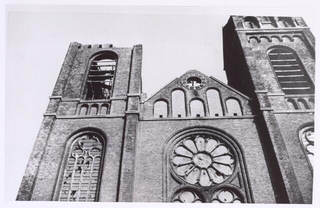 017066 - Sloop van de kerk van de parochie St.-Anna in 1973