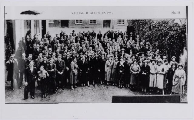 037617 - Textielindustrie. Directie en personeel van de N.V. Wollenstoffenfabriek Gebroeders Diepen Tilburg (1808-1972) tijdens de receptie ter gelegenheid van het 125-jarig bestaan in 1933