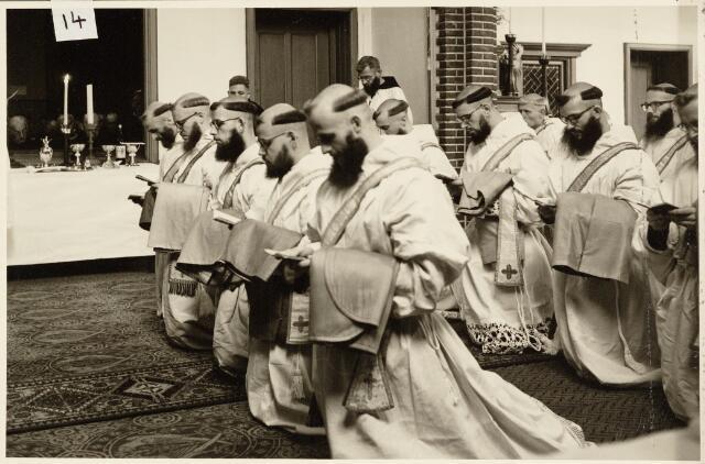 050197 - Priesterwijding. Udenhout.
