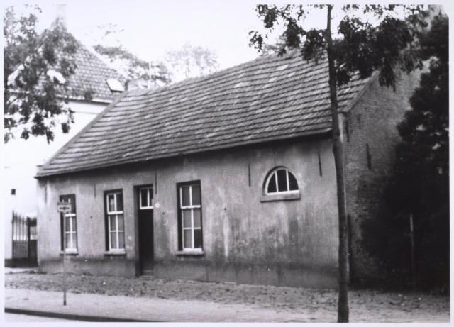 023875 - Boerderij aan de Koningshoeven eind 1968