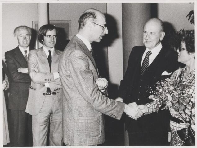 081254 - Afscheid van dhr. A. Huijs, directeur van Bouwtoezicht West-Brabant