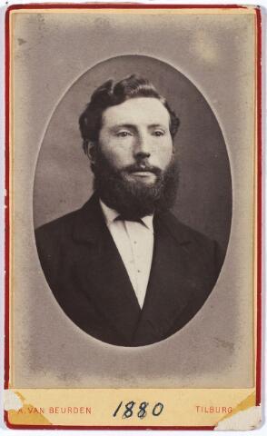 005494 - W.I. Reyniers, op 1 februari 1882 gehuwd met Theresia H.J. van Hal.