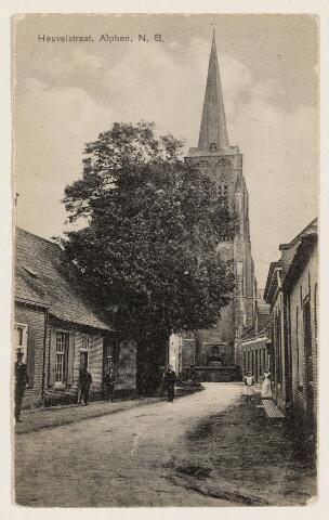 065251 - Heuvelstraat richting de kerktoren