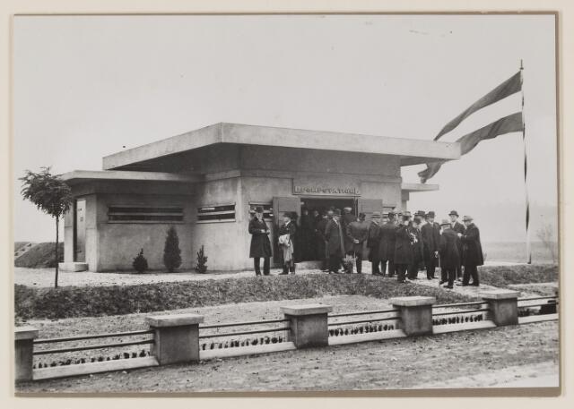 075489 - Oficiele opening Waterleiding te Oisterwijk op 15 october 1929. hier het pompstationb tussen Vugt en Boxtel.
