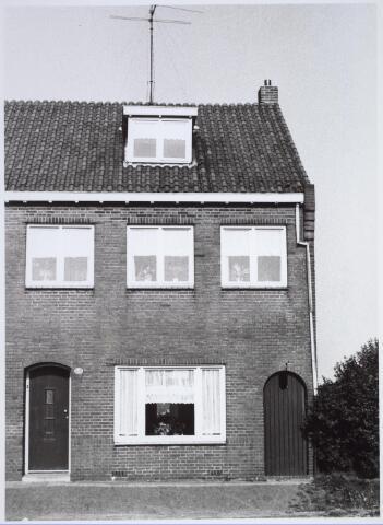 025711 - Pand Moleneind 136 eind 1965. Thans is dit de Leharstraat