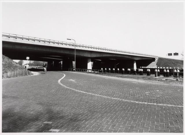 034846 - Vaste brug over het Wilhelminakanaal bij Koningshoeven (Rijksweg 58)