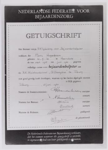 042149 - Brief.Bejaardenzorg. Getuigschrift bejaardenhelpster van Maria Hogenboom, afgegeven door de Nederlandse Federatie voor Bejaardenzorg.