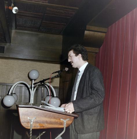 1237_012_976_008 - Zorg. Feestelijke bijeenkomst in de Postelse Hoeve van de Tilburgse Kruisvereniging in april 1985.