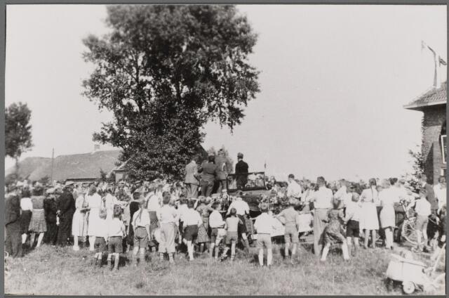 104478 - WO2 ; WOII ; Tweede Wereldoorlog. Bevrijdingsfeest mei 1945 te Den Hout.