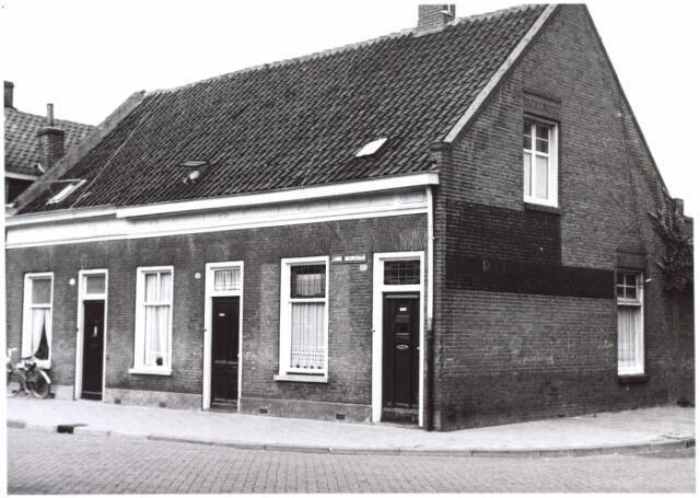014978 - Panden aan de Lange Nieuwstraat anno 1959. Begin jaren ´60 werden deze panden gesloopt voor de aanleg van een city-ring rond de binnnstad.