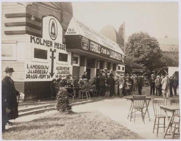 103809 - Internationale Tentoonstelling voor handel en Industrie gehouden van 18 juli - 18 augustus 1924 op een terrein gelegen tussen de Elzenstraat en de Industriestraat. stand 34 Fernholz lasapparaten zonder carbid.