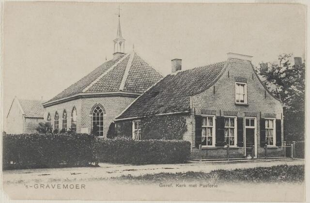 058613 - Vaartweg. Gereformeerde Kerk met pastorie en school met den Bijbel