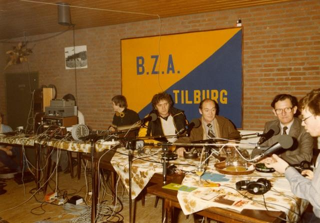 800068 - Voetbal vereniging Taxandria Oisterwijk. Interview op Radio Elisabeth in oktober 1979.