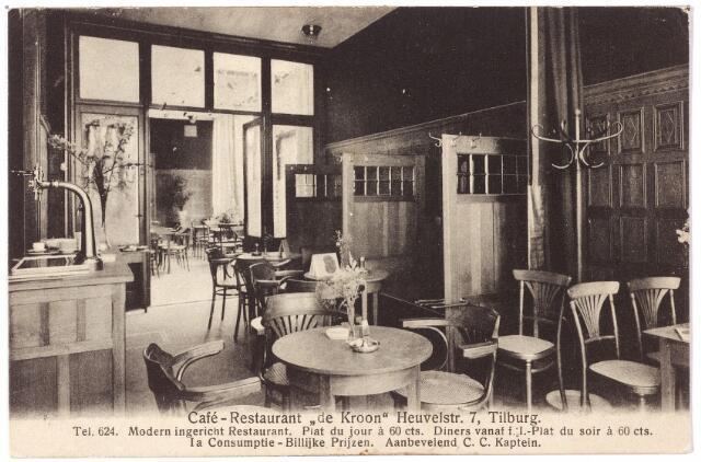 001068 - Heuvelstraat 7, interieur café-restaurant 'De Kroon', waar rond 1910 voor 60 cent het 'plat dujour' geserveerd werd door eigenaar C.C. Kaptein.
