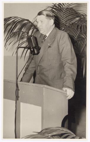 039296 - Volt. Zuid. Directie, Management. Ir. J.Kipperman, geboren op 16 oktober 1897, directeur van Volt van 1935 tot en met zijn pensioen in 1959. In februari 1968 is hij overleden. Waarschijnlijk is deze foto gemaakt voor 1950.