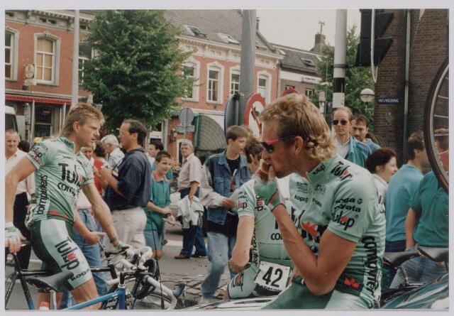 045142 - Sport. Wielrennen. Profronde van Nederland. Links Ronnie van Holen rechts Adri van de Poel.