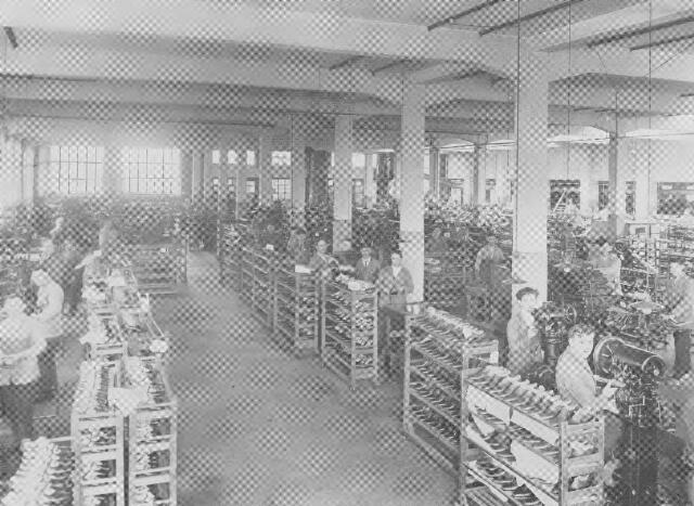 064383 - Leder- en schoenindustrie. N.V. Stoomschoenfabriek J.A. Ligtenberg. Onderwerkafdeling.