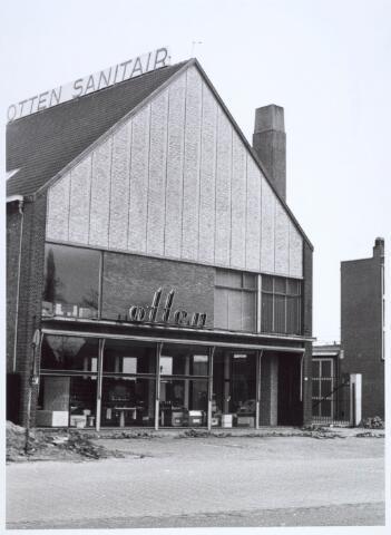 019951 - Sanitairhandel Otten aan de Hart van Brabantlaan begin 1967
