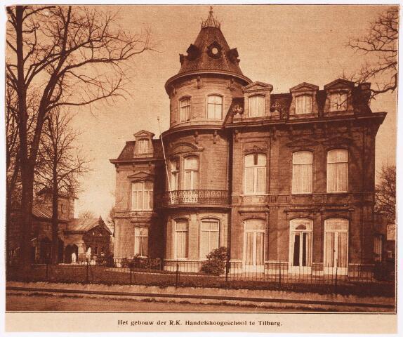 """033298 - Het hoofdgebouw van de R.K. Leergangen aan de Bosscheweg nr. 95, vanaf 1932 Bosscheweg 339 (nu Tivolistraat) . Na de dood van Leo Swagemakers en de verhuizing van zijn weduwe naar Den Haag in 1915, kreeg de villa de naam """"Triborgh"""""""