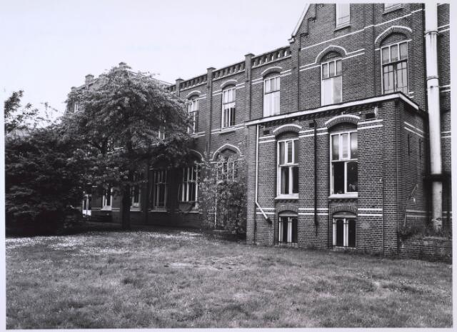 023704 - Achterzijde van het Brabants Conservatorium aan de Kempenbaan