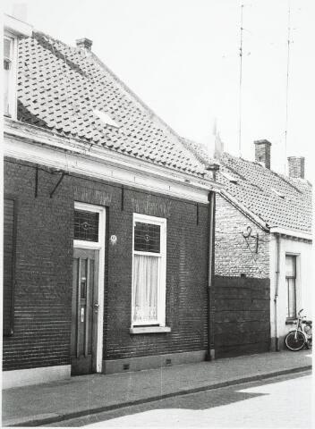 032916 - Voorgevel van het pand aan de Stevenzandsestraat 130