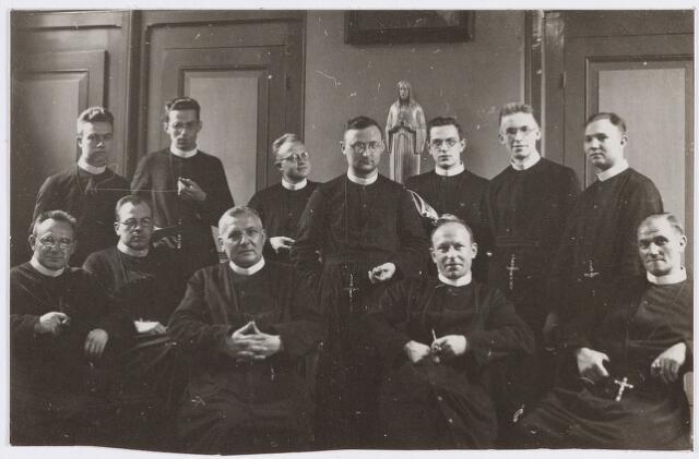 057370 - Fraters te Oisterwijk, 1933