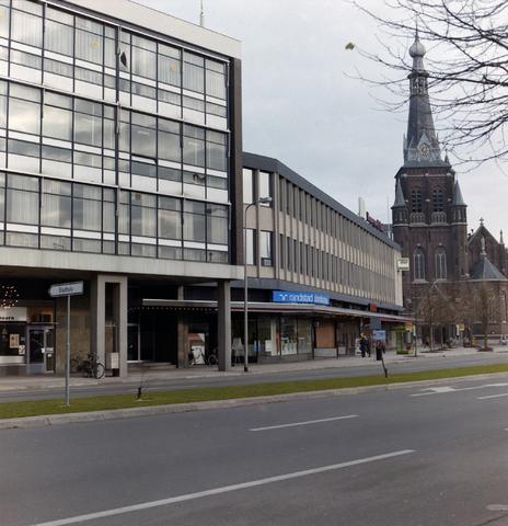 1237_012_929_005 - Schouwburgring, Tilburg. Zicht op de Heikesekerk.